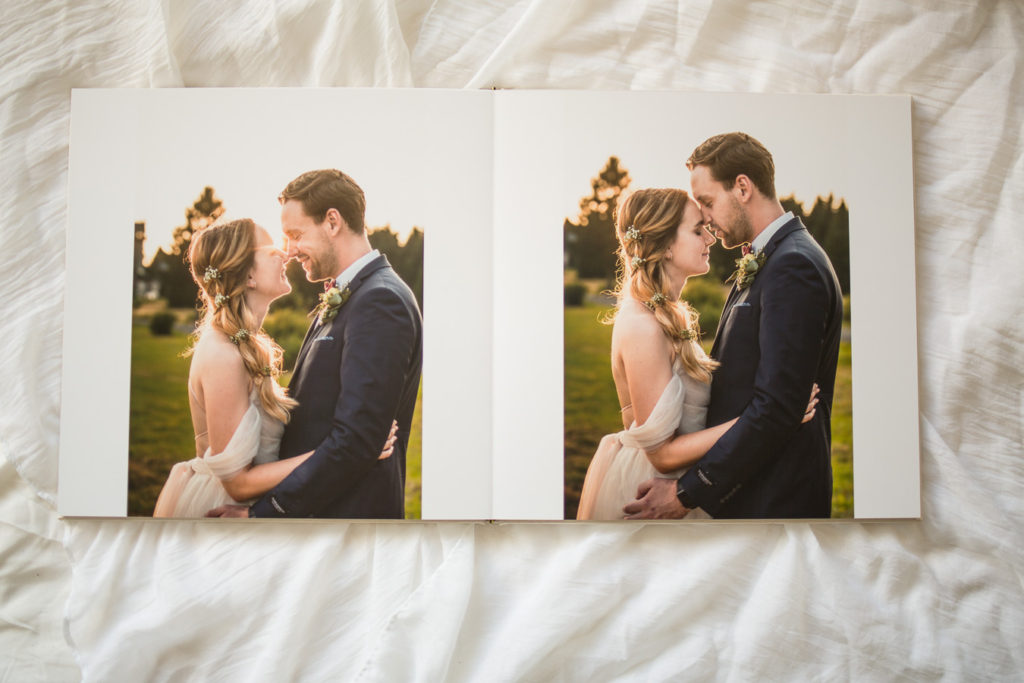 Ukázka dvoustránky ze svatební fotoknihy