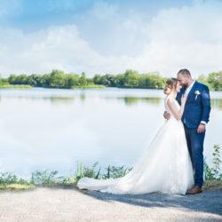 Novomanželé na přehradě v Dolních Počernicích
