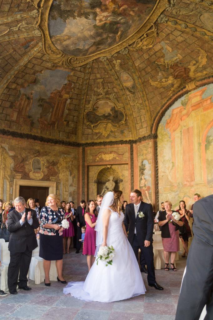 Svatba ve Vrtbovské zahradě v Praze